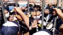 el video del presidente tratando de calmar a la gente en el velatorio