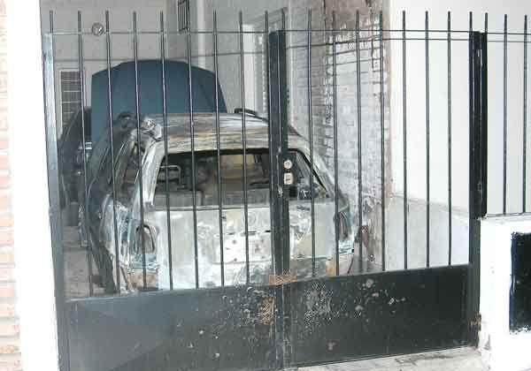Se incendió un auto en la madrugada