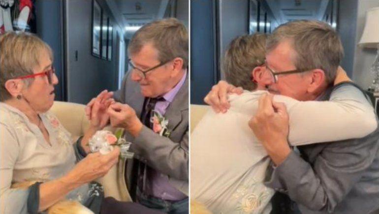 TikTok: pide matrimonio a su esposa con Alzheimer cada semana y responde que sí.