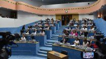el geoparque cerro azul sigue trabado en la legislatura