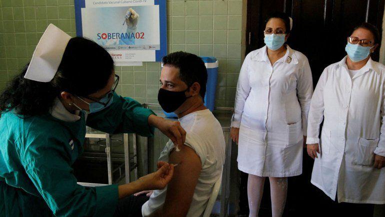 Cuba ya aplica su propia vacuna de tres dosis