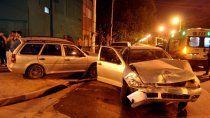 conductor borracho se llevo puestos tres autos: dio 2,09 en alcoholemia