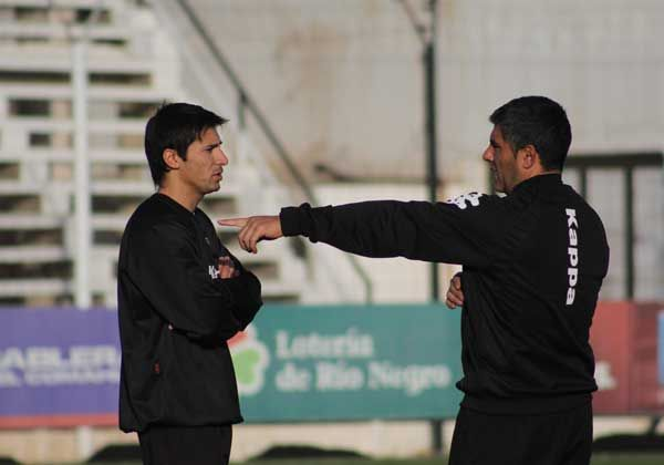 Martínez y Cisneros presentan molestias físicas