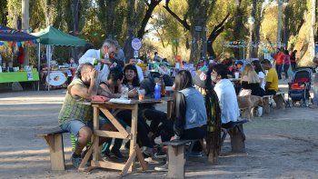 La feria de Las Perlas lugar de encuentro y de paseos de fin de semana
