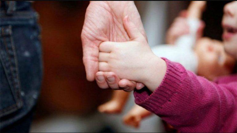 Buscan una familia temporal para un bebé de 6 meses
