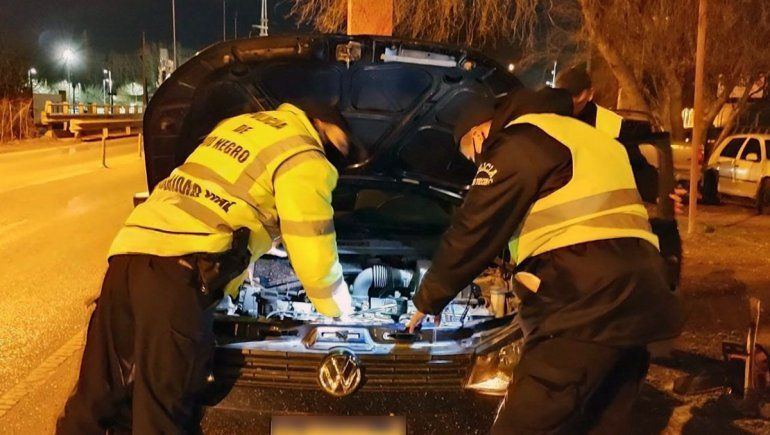 Lo atraparon sobre la Ruta 22 manejando un auto robado en Buenos Aires