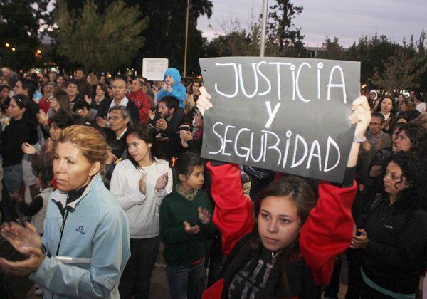 Emotiva marcha para pedir justicia