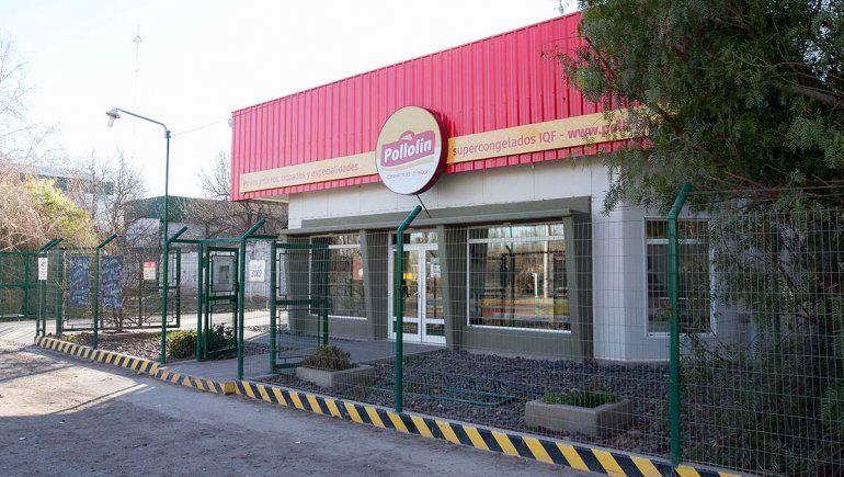 Dos jóvenes quedaron detenidos al intentar robar 60 pollos de una empresa