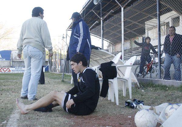 Dura derrota de Cipolletti en Paraná