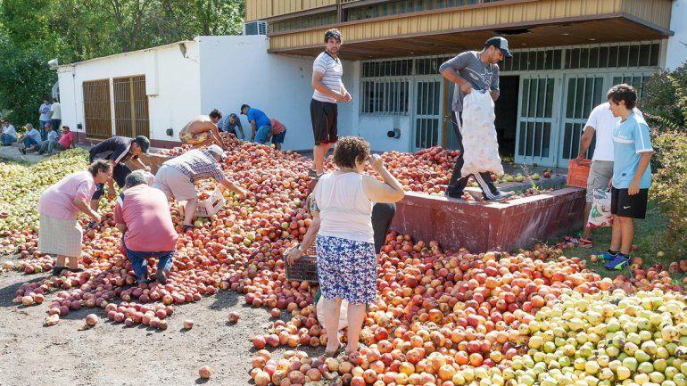 Los chacareros volverán a tirar fruta como señal de protesta.