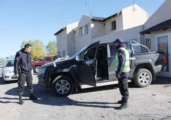 Interceptaron una camioneta robada