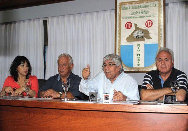 El líder de la CGT opositora, Hugo Moyano, cerró la Fiesta del Camionero