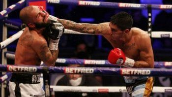 Ponce hizo la pelea de su vida, noqueó a temible inglés y va por la corona