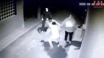 En plena pandemia ocurrió la pelea entre choferes y enfermeros del hospital de El Chañar.