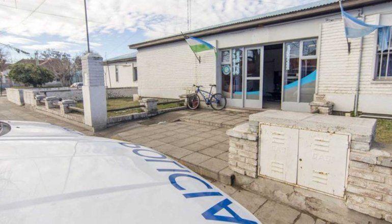 Vecinos atraparon a un adolescente que le robó el teléfono a una jubilada
