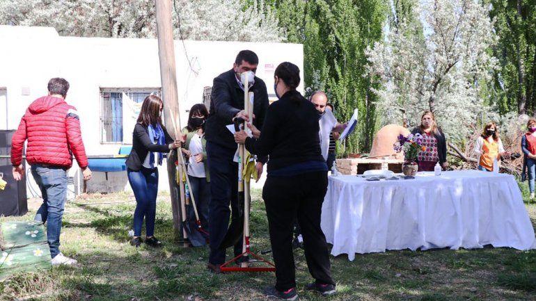 Di Tella acompañó la renovación de convenios con huerteros en La Falda