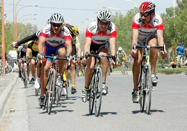 Desde el municipio de Allen se trabaja en la seguridad del ciclismo deportivo