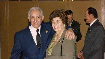 don bernardo sanchez, gendarme, y su esposa blanca cassataro, cantante valletana.