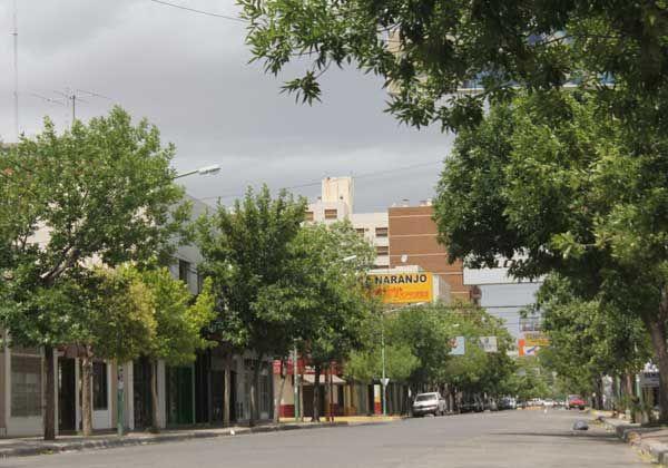 El viento volvió a dejar sectores de la ciudad sin luz