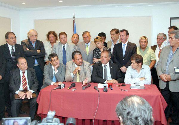Weretilneck en Buenos Aires en una reunión de la OFEPHI