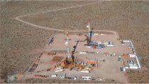 petroleras ya usan aviones para esquivar los piquetes
