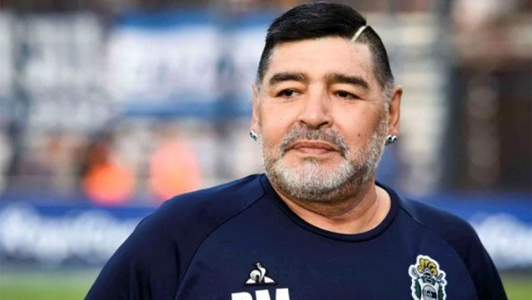 Maradona podía sobrevivir si recibía atención, según la junta médica