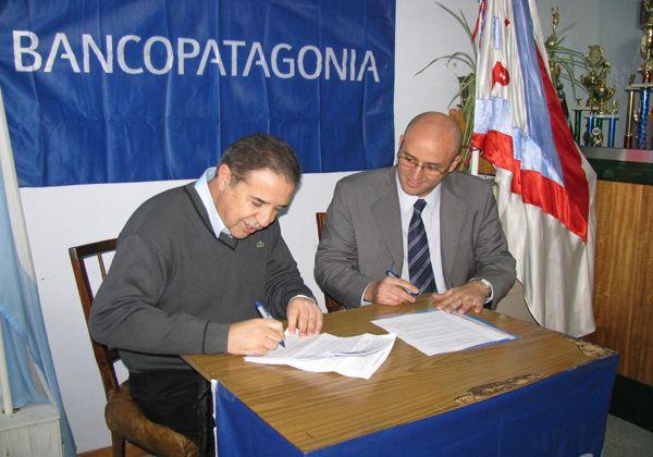 Se firmó un convenio entre el club Unión de Allen y el Banco Patagonia