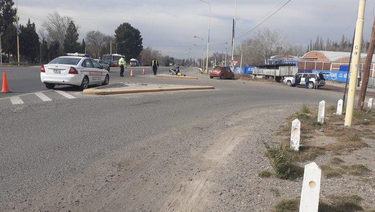 Susto: un auto y una moto chocaron sobre la Ruta Nacional 22