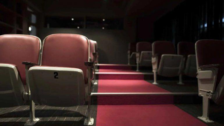 Habilitan el baile en burbujas y las salas de cine en Roca