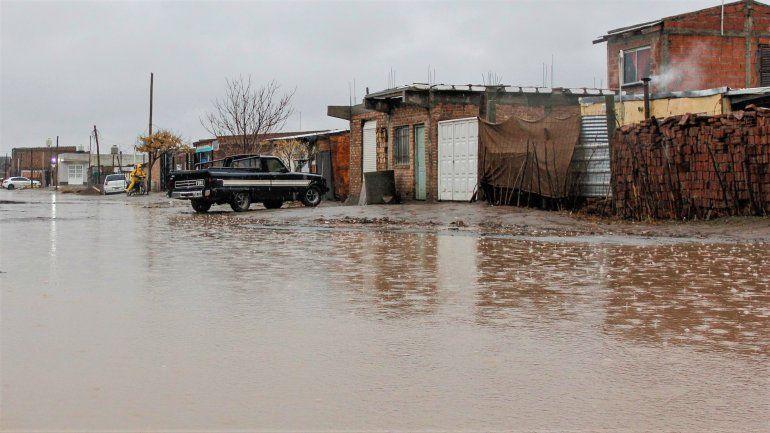 Hay familias evacuadas por el temporal de lluvia