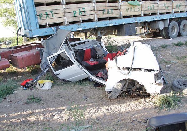Dos muertos tras choque en Ruta 22