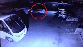 robaron una casilla de una cochera en menos de un minuto