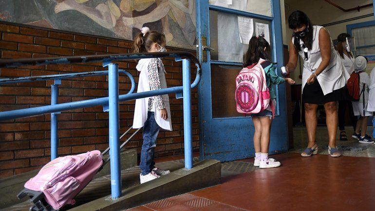 Abrieron las aulas: así volvieron las clases en parte del país