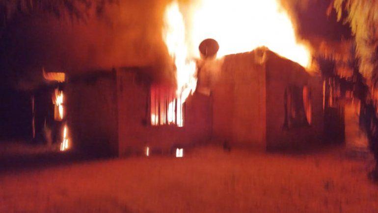 Allanamiento, drogas y una casa incendiada tras el intento de homicidio