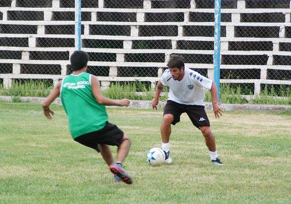 Cipo hizo fútbol en cancha de Oro