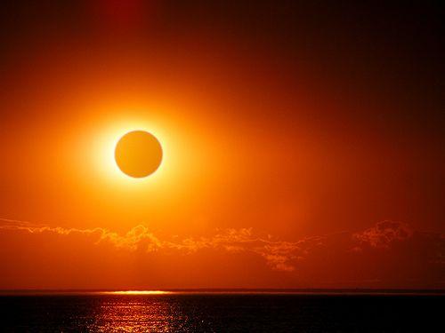 Eclipse solar absoluto 13 y 14 noviembre