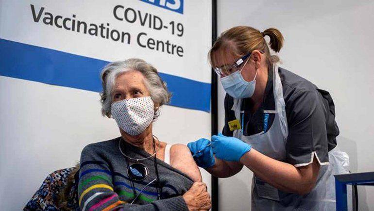 Estados Unidos aplicará una tercera dosis de la vacuna contra el COVID