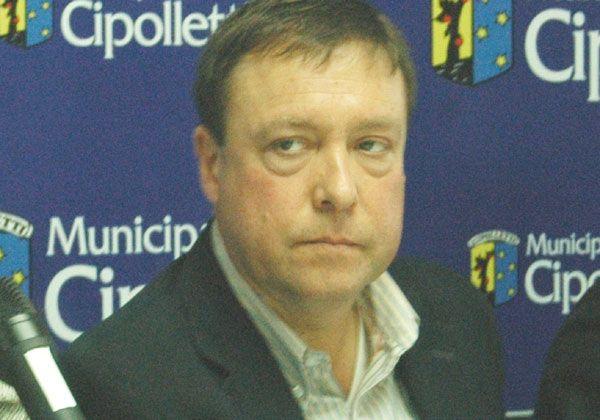 Weretilneck pidió que se rescinda el contrato de Caminos del Valle