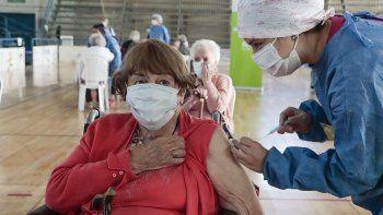 ¿cuantas vacunas contra el covid ya se aplicaron en rio negro?