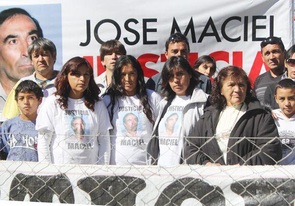 Exigen a la Justicia respuestas por la muerte de Maciel