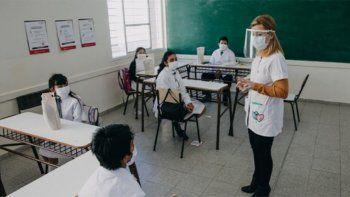 Invertirán $5 mil millones para buscar a los que abandonaron la escuela en pandemia