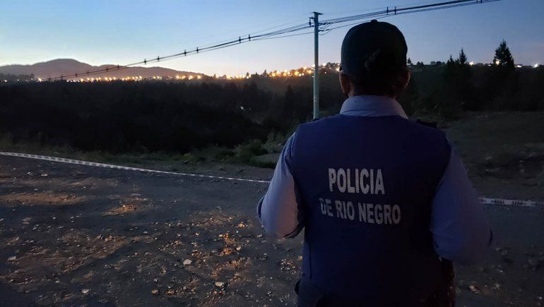 Bariloche: hicieron una fiesta clandestina multitudinaria en un campo