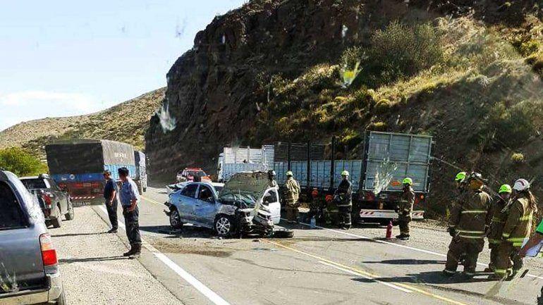 Un herido en tremendo choque en Villa Llanquín