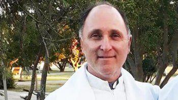 Mató a balazos a un cura dentro de la parroquia para robarle