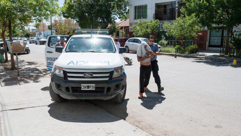 La Policía trasladó al detenido al edificio judicial de España y Urquiza.
