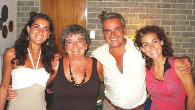 Beatriz, Daniel e hijas.