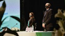 la provincia contara con un nuevo avion sanitario y ocho ambulancias