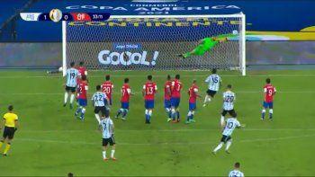 El golazo de Messi ante Chile en el debut de Argentina