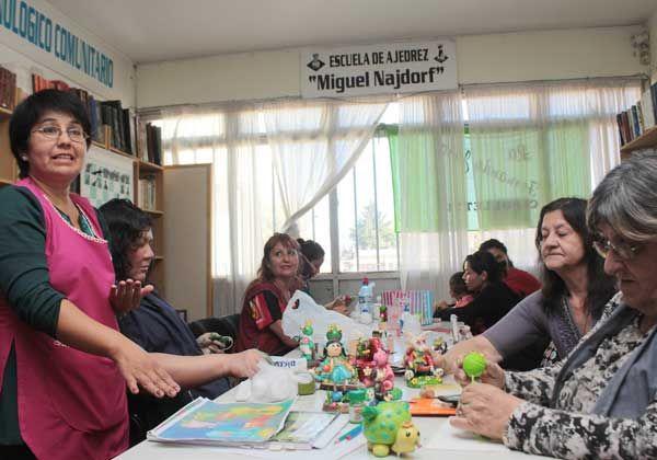 Manos a la obra: comenzaron los talleres APE