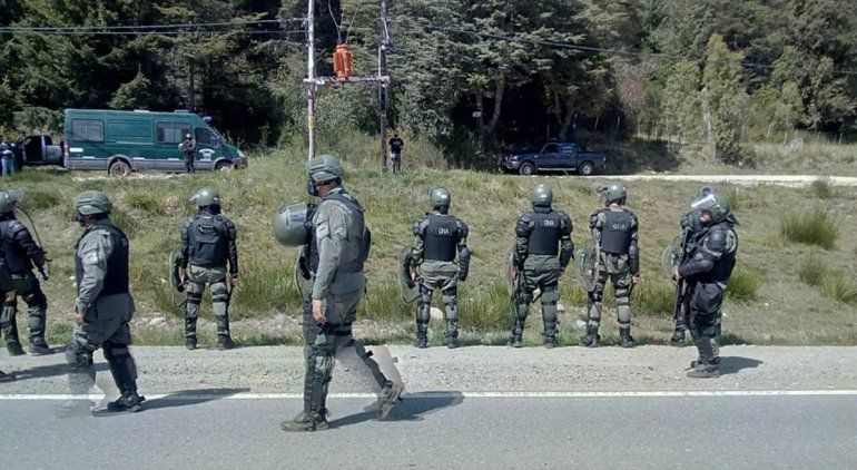 Llegó Gendarmería a la zona de conflicto de Villa Mascardi